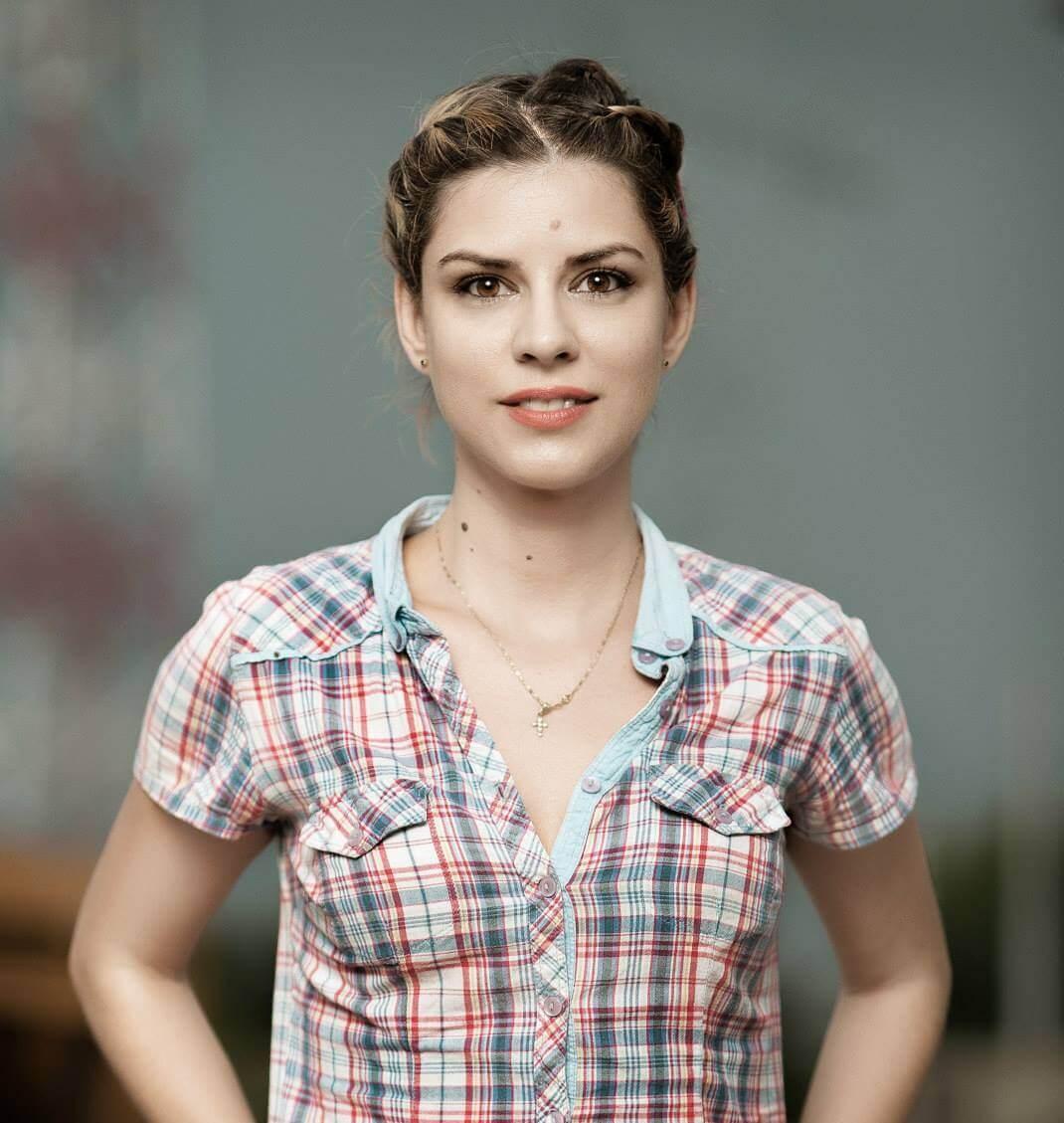 Portretul profesorului ISEE Andreea Drilea